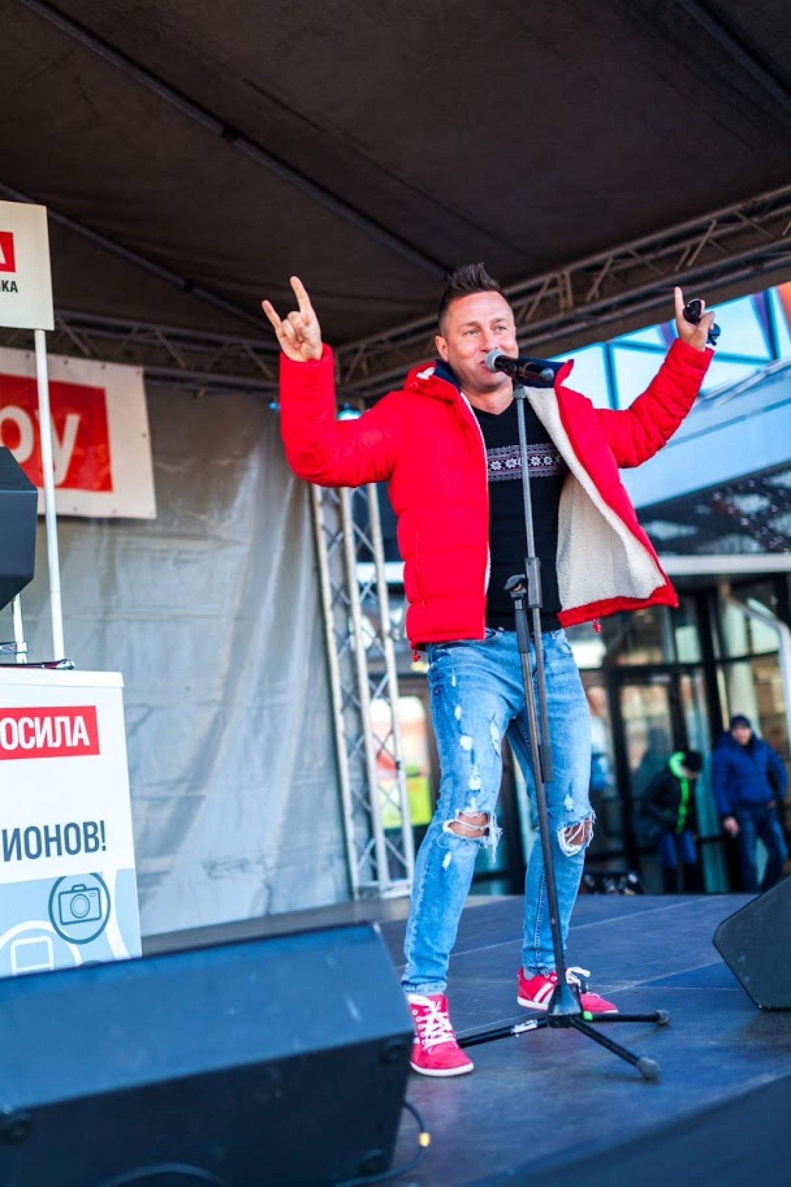 Выступление Саши Немо на открытии магазина Электросила